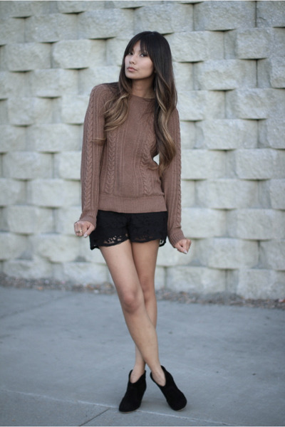 black Zara shorts - light brown Zara sweater