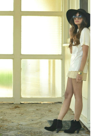 black asos boots - beige arc&co shorts - cream Generra top
