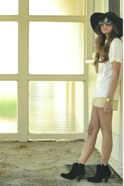black asos boots - beige arc&co shorts - cream Generra top