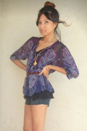 purple Petticoat Alley blouse - blue Siwy shorts