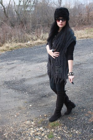 charcoal gray Motiv vest - black Deichmann boots - navy Orsay leggings