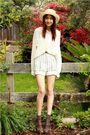 Beige-thrift-shorts