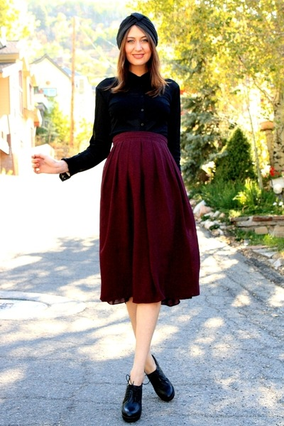 black vintage blouse - crimson vintage skirt - black Aldo heels