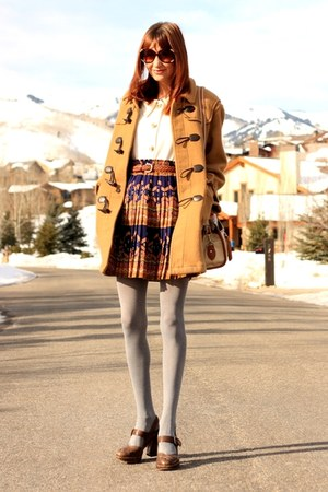 camel thrifted coat - cream thrifted sweater - navy Edmy & Eslytte skirt