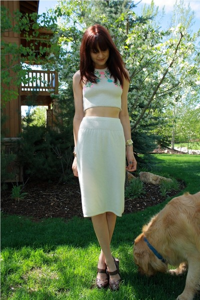 white thrift skirt