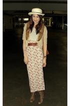 beige vintage sweater - pink thrift skirt - brown seychelles boots