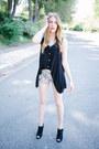 Boots-floral-pastel-q-fashion-shorts-top