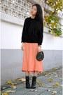 Carrot-orange-vintage-skirt-vintage-bag-zara-sweater
