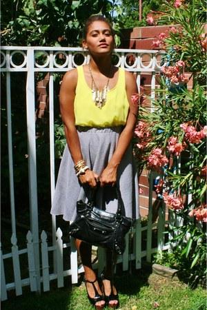 gold necklace - dark gray shoes - dark gray bag - heather gray skirt