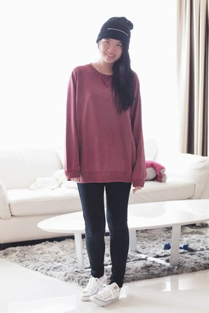 Converse shoes - Monki sweater - Uniqlo leggings