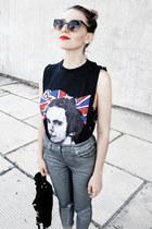 black cut vintage t-shirt - silver silver H&M jeans - black suede Mango bag