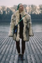 beige fox fur vintage coat - navy cropped H&M Trend sweater