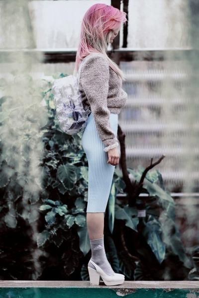 white Ebay bag - silver old school adidas socks