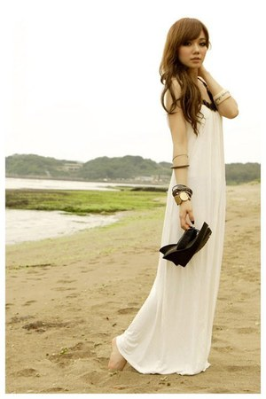 ivory Chanel dress - black Forever 21 sandals - Forever 21 accessories