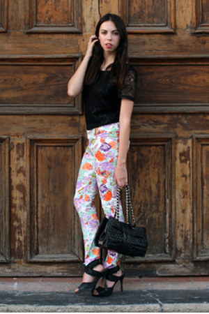 white flower print unica jeans - black H&amp;M shirt - black Moschino bag