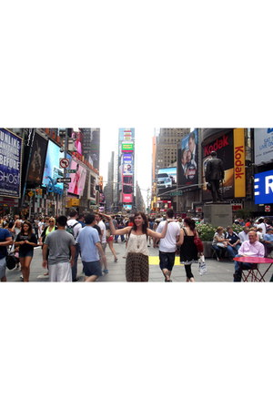 Forever 21 shirt - VINTAGE NEW YORK shorts