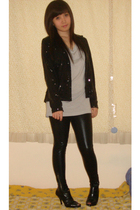 black Zara blazer - gray shirt - black Zara leggings - black shoes