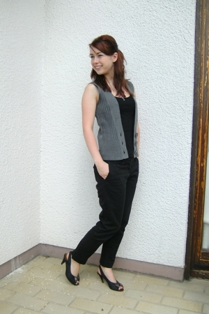 gift accessories - H&M top - Otto vest - H&M pants - vintage shoes