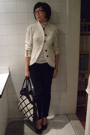 augustine sweater - H&amp;M top - Levis pants - Burberry scarf - Anna Corinna purse 