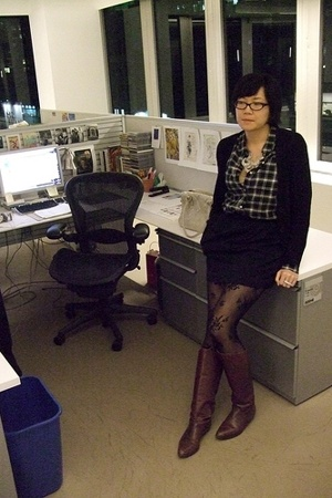 Uniqlo sweater - lark &amp; wolf shirt - Uniqlo skirt - H&amp;M tights - Made Her Think 