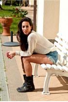 black vintage boots - ivory vintage sweater - periwinkle jeans Levis shorts