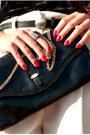 Black-zara-heels-ivory-vintage-shorts-black-vintage-top-black-zara-belt