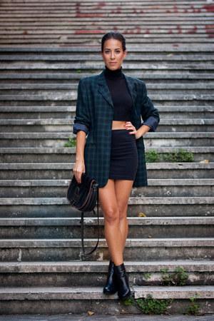 navy tartan vintage blazer - black leather Rockport boots - black vintage bag