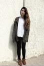 Light-brown-suede-minnetonka-boots-black-basic-merona-leggings