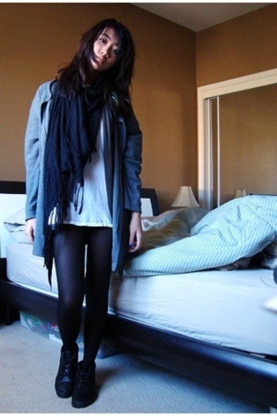 scarf - blouse - t-shirt - Old Navy tights - aerosoles boots