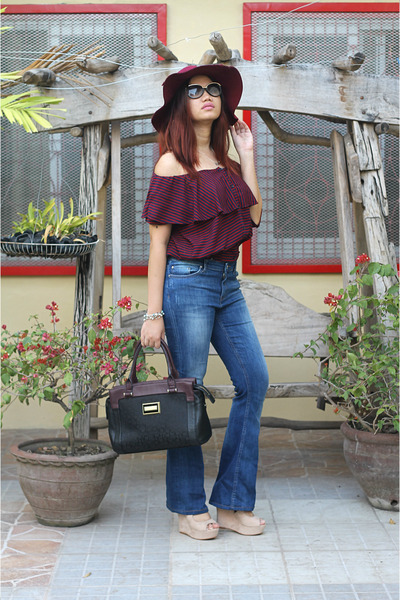 blue Zara jeans - magenta calvin klein bag