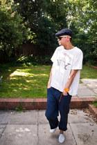 vintage t-shirt - vintage hat - Ray Ban sunglasses - calvin klein pants