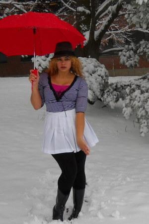 white mini skirt - black leggings - black bebe top