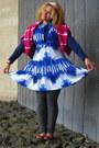 Magenta-tye-dye-sweater-blue-dress-dress