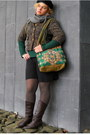 Army-green-blazer-olive-green-bag