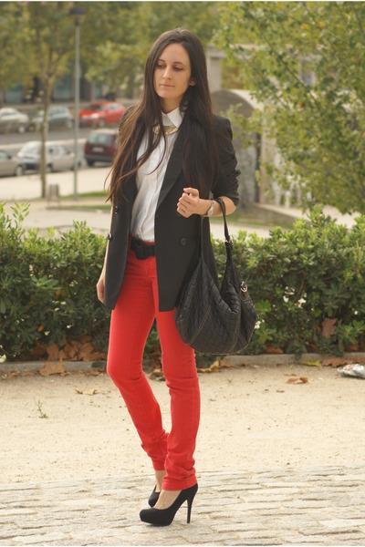 Red Jeans Black Blazers White Shirts Black Bags Black