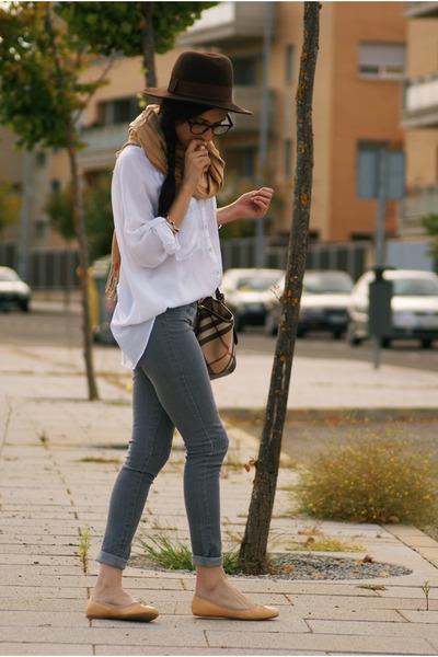 Bershka hat - Burberry bag