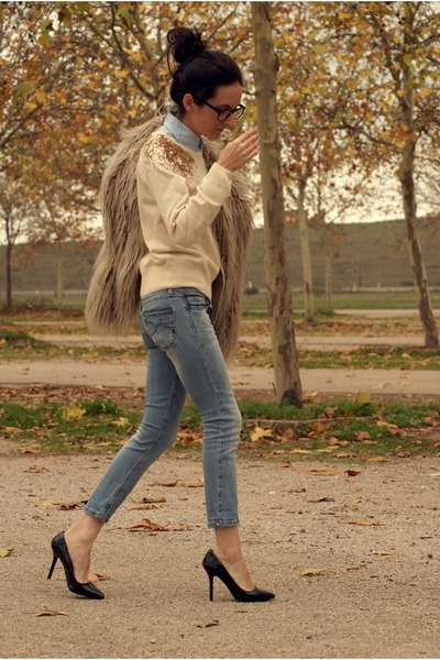 Stradivarius jeans - H&M sweater - Zara heels - firmoo glasses