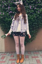 tawny boots - ivory lace tights - navy flowers shorts - white t-shirt - light pu