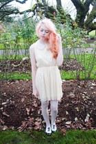 white purse - cream mod dolly dress - off white whole-sale dress tights