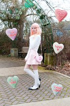 light pink candy heart Aldo purse - cream eyelash Missguided sweater
