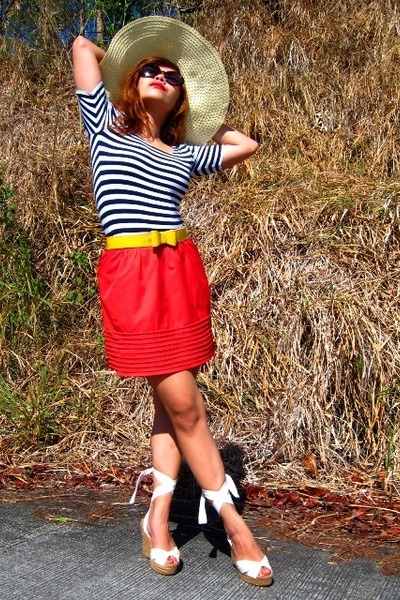 white Steve Madden shoes - red H&M shorts - navy SM department blouse