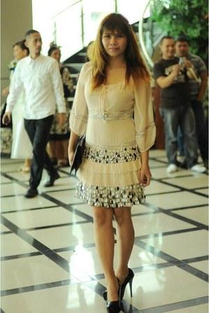 black Asian Vogue pumps - light pink Jessica dress