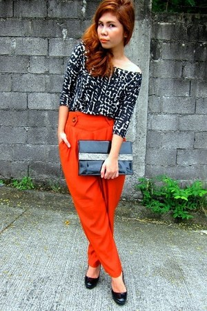 black H&M blouse - burnt orange vintage pants - black Aldo pumps