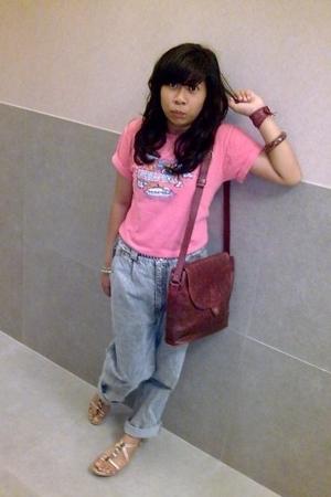 singapores t-shirt - dads jeans - aigner accessories - bracelet - accessories -