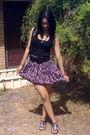 Black-top-black-belt-skirt-black-necklace-black-shoes