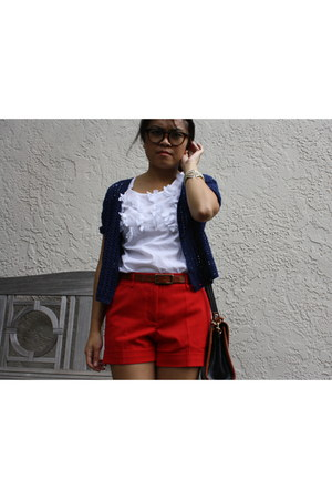 tortoiseshell Urban Outfitters glasses - red Forever 21 shorts