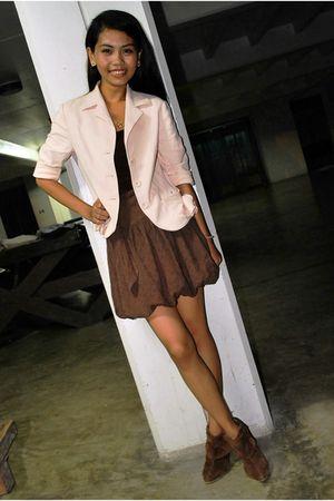 pink blazer - brown skirt - brown top - brown boots