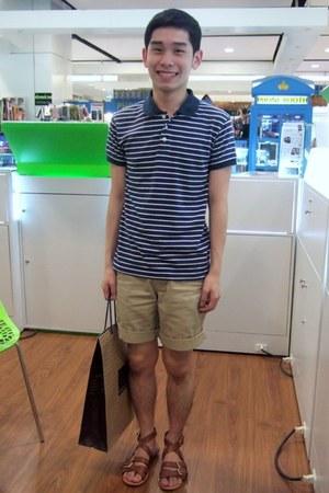 blue Dean & Trent shirt - beige Topman shorts - camel pedder red sandals