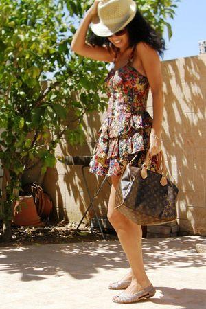 bottons floral dress