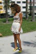 beige ruffles HALstyle skirt - lace vintage top
